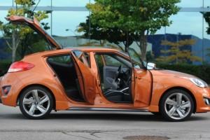 2015-Hyundai-Veloster-Turbo-Side-556x371