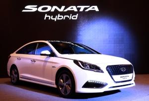 2016-hyundai-sonata-hybrid_100494582_l